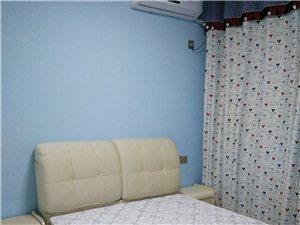 1.5米高档布艺床出售,今年搬新家刚买的,房间一直空着没人住过,所以是全新的,现因孩子快上小学了,要...