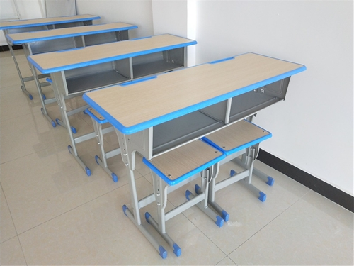 全新双人课桌15套,办公桌椅一套,有需要者可联系。
