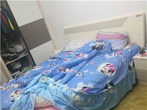 2米大床紧急处理。两个孩子长大,房间需安放两张床,如有1.5米床的,可以交换!