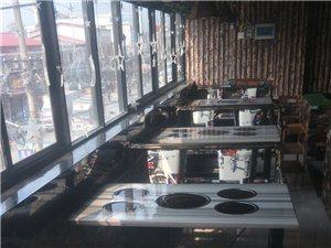 火锅店整体桌椅,冰箱,切肉机低价转让。9成新