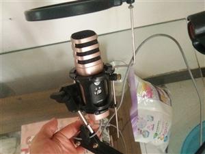 喊麦唱歌都可以(香港原装的,买的时候买成899,现在便宜卖了,个人原因因为不玩网络所以说现在用不到)