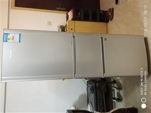 新飞直泠冰箱,三门三个控温区,容升223,没修过,好的