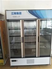 出手九成新保鲜柜,保修卡,什么都有,有需要的可以致电,15926827868