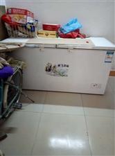 9.9成冰柜,原来开店用,后来店铺转让,闲置在家,转给需要的人,13193651638刘女士。原价将...