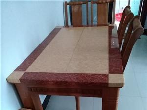 餐台椅一套,基本是全新