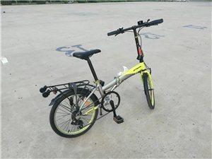迪卡侬牌子的折叠自行车,20寸的,带有7档变速,车身铝合金材料,迪卡侬欧洲第一运动品牌的质量没得说的...