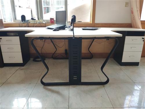 八成新双人位办公桌一套,明码标价999元