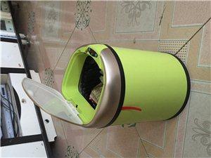 自动开合垃圾桶,可装电池,可充电,都是全新的,自己的店不开了,积压的点货,有意的可以联系,酒嘉市区可...