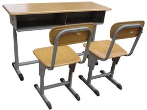 辅导班课桌椅几十套出售,价格面议。手机号是微信。