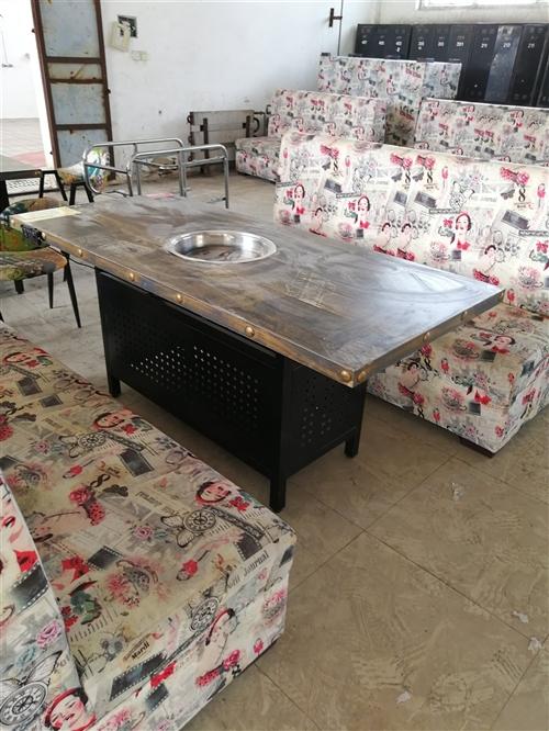火锅店桌子椅子,中央空调,烤肠机果汁机等