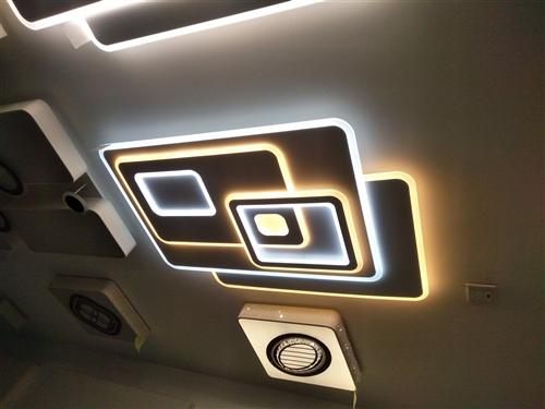 丰都县国际商贸城19栋二层21号。繁荣灯饰批发部,专业批发。客厅吊灯,水晶灯。射灯。上门维修各种灯具...