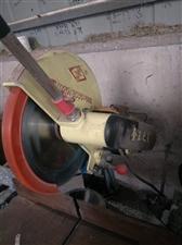 金王切割机6台。铝焊机2台。手电钻,气动铆接等铝门加工工具