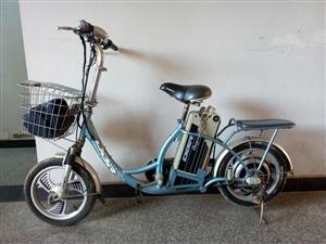 可以脚踏的电动车,刚换了电瓶,可以骑20公里,价格450,有需要的可以看看
