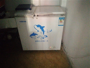 1.8操作台一个,0.9米冷冻柜一台!低价出售需要的电话联系