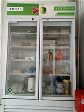 有一双开门冷藏柜,九成新,有一立式海尔空调均低价出售