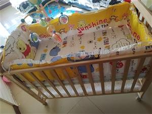 出售童床,送床铃,9.8成新