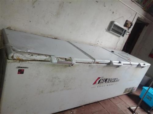 燒臘工場轉讓,有幾個冰箱超低價轉讓出售,有2000升,850升,650升,新買回來只用了一年,有意者...