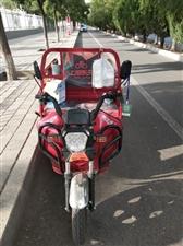 七月底买的,九成新,没骑多少回,看上的打电话上海永久电动三轮车