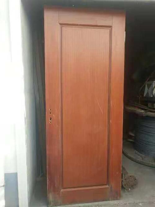 酒店退役一批实木门及卫生间黑色大理石台面,价格超低,量大从优,在栾川县城交易!