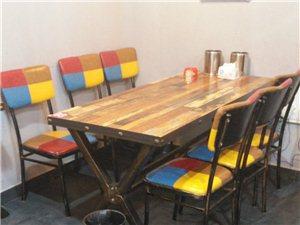 本人店面装修,转让一个煮面炉和部分桌椅,600一套。
