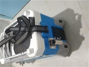 钓箱8层新,一把碳素架竿器,一把可德钓者变节竿(3.6-6.3)。雨伞(2米)9层新。漂两个。300...