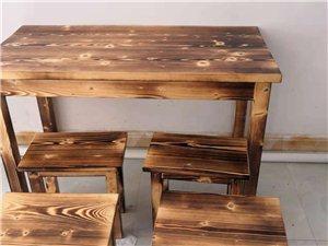 店铺不开,现将八月底购买的实木餐桌转售,有需要的朋友联系我。电话:18565731075