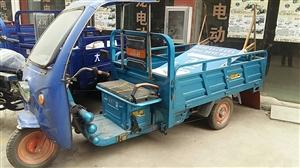 60v,60AH电池的电动车,斗1.2x2.0米,9成新,有意者价好说。
