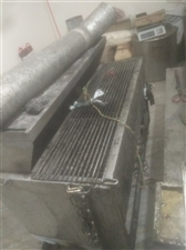 出售一个无烟烧烤机,一个烤串机和其它餐饮厨房用具。烧烤店做了四个月没有做了,东西放在库房一直没有动,...