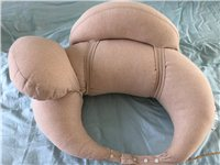 哺乳枕,保护宝妈腰背,纯棉表层,可拆洗,带两个小枕头,稍大一些的是保护宝宝后背,防止宝宝侧翻的,稍小...