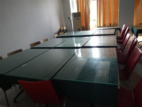 餐桌/学习桌/置物桌 保存完好、超低价出售30-40元/张 有意及时电话联系