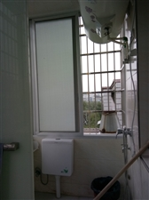 要急售房屋  本人要出售一小对门(东门塔下)四楼60多平米的房子,家具齐全,有洗衣机,冰箱,彩电...