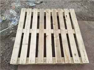 防潮木板8成新,15元一个不议价,承重量好,电话13636250801,非诚勿扰