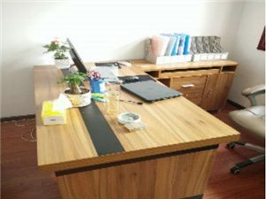 办公家具9成新,一折处理,需要速联!