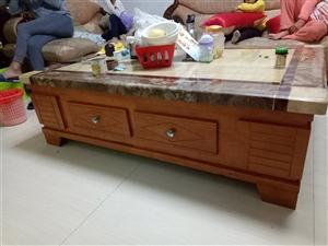 八成新,家里换实木家具,有意者可以联系,价格面议,低价出售1米5长,只需500,联系电话,15970...