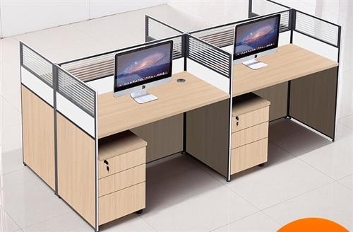 四人隔断豪华办公桌 95新 可拆可装。带四个柜子。买4200 现2200急转。需自提。