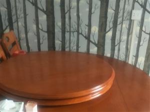 红木桌子9.5成新,买回来没用上便宜处理18047303952