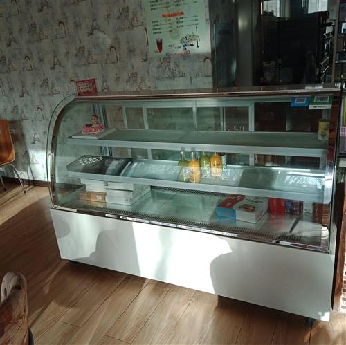 九成新冷展柜,1.8米弧形三层,低价出售,联系电话18793786668