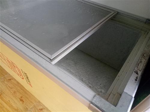 星星冷柜。两米长,适合存放海鲜,冷冻肉各种