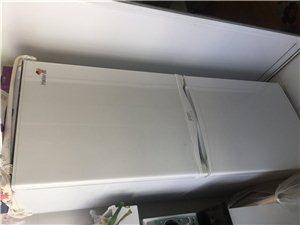 八成新海尔冰箱出售,有意者请联系我,非诚勿扰