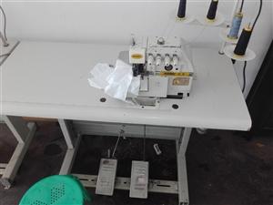 九成新电脑平车缝纫机处理,都是正常使用的设备,保证质量!地址城南农贸城附近  电话微信同号