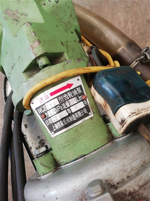 WCB100型齿轮油泵,压力0.3MP,流量100L/min,2016年生产。