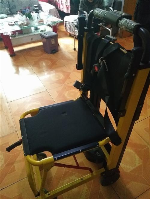 电动爬楼梯轮椅,轻巧方便,爬楼下楼不费劲,九成新,收放自如。原价五千买回,病人现在康复,已无用。...