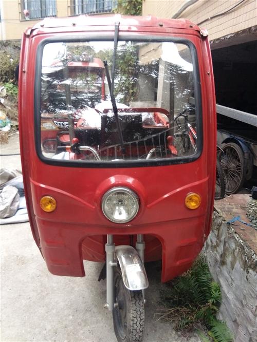 万虎电动三轮车,九成新,买价4000元,现低价转让。