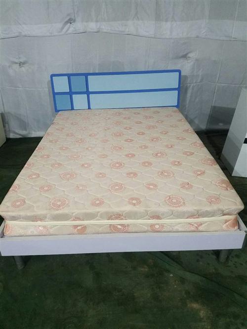 低价出售二手家具,15055578188。