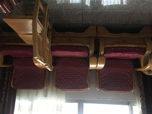 实木木凳沙发,可租房用,老家用