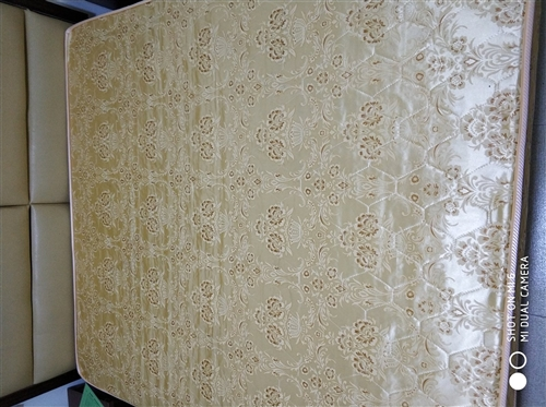 更新需出售部分正在使用的床和床垫