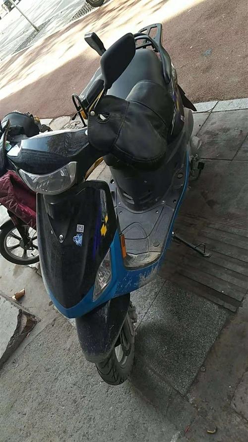 自己送外卖用小摩托,现用不着便宜出售。跑3000多公里
