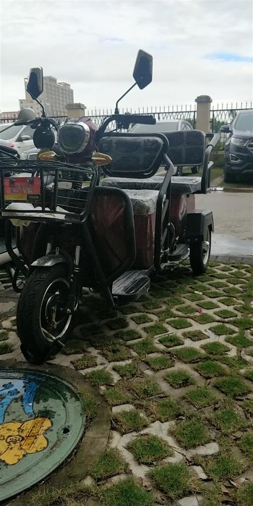 台铃老人代步车,2月份买的,非常新。