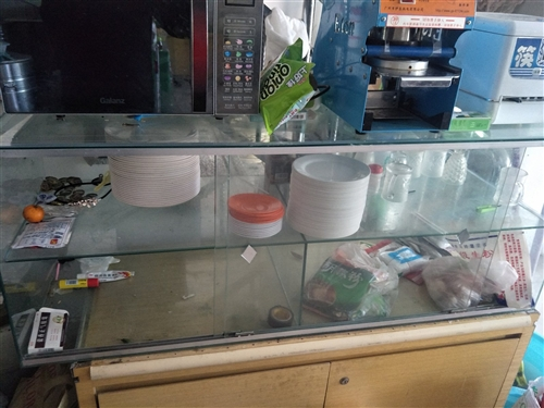 出售早餐用具,蒸包炉,保温粥台,封口机,消毒筷子机,保温桶,豆浆机,和面机,玻璃柜,电话152431...