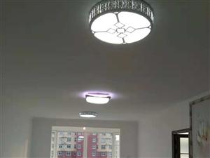 首次出租 蓝波圣景 一居室 新装修 家具家电齐全 拎包入住 水暖,有暖气 长期租房优先
